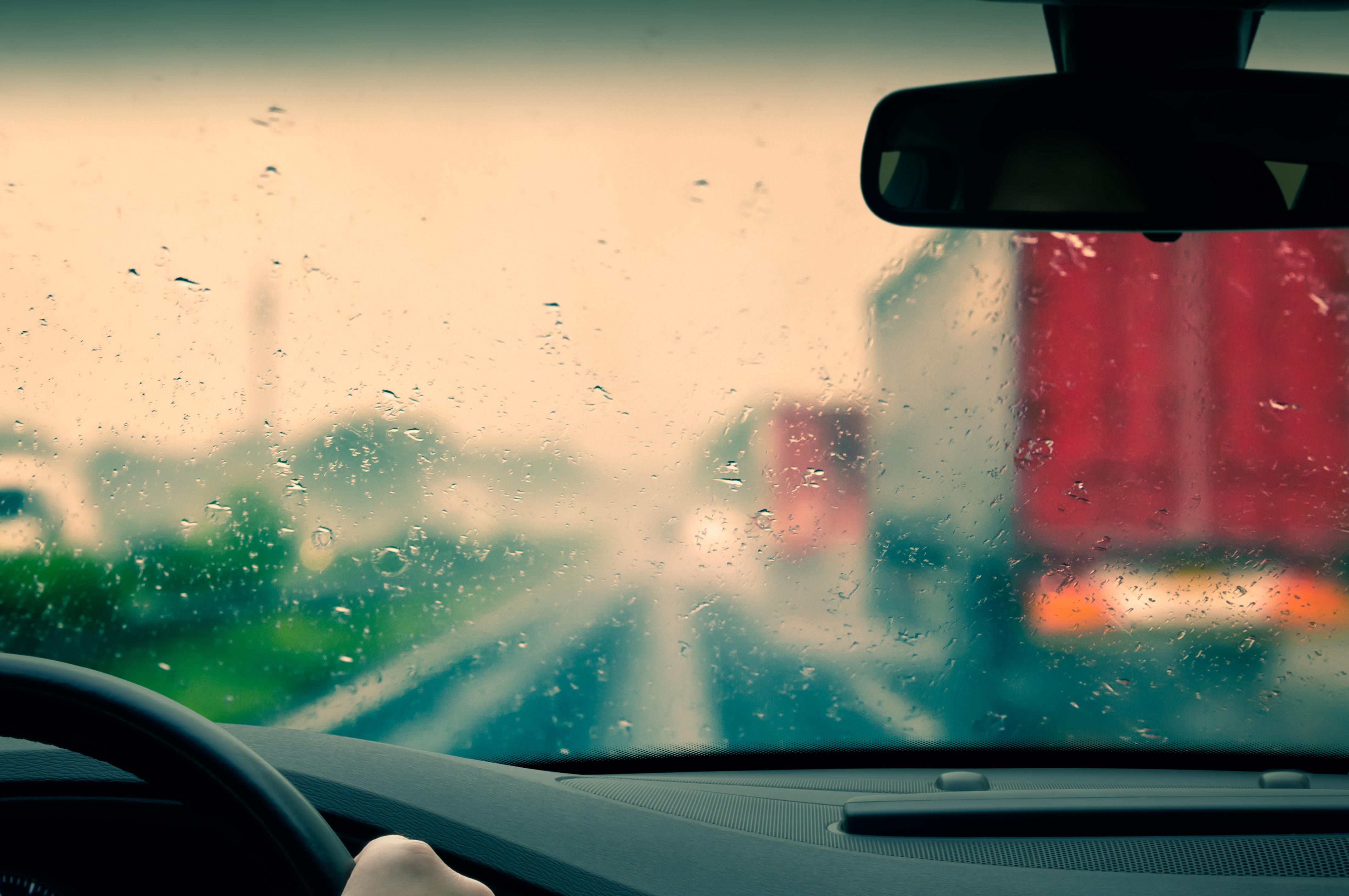 Yağmurlu Havalarda En Şık Siz Olun